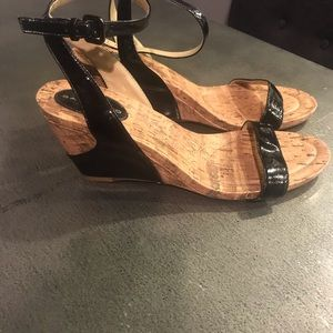 Black wedge sandels